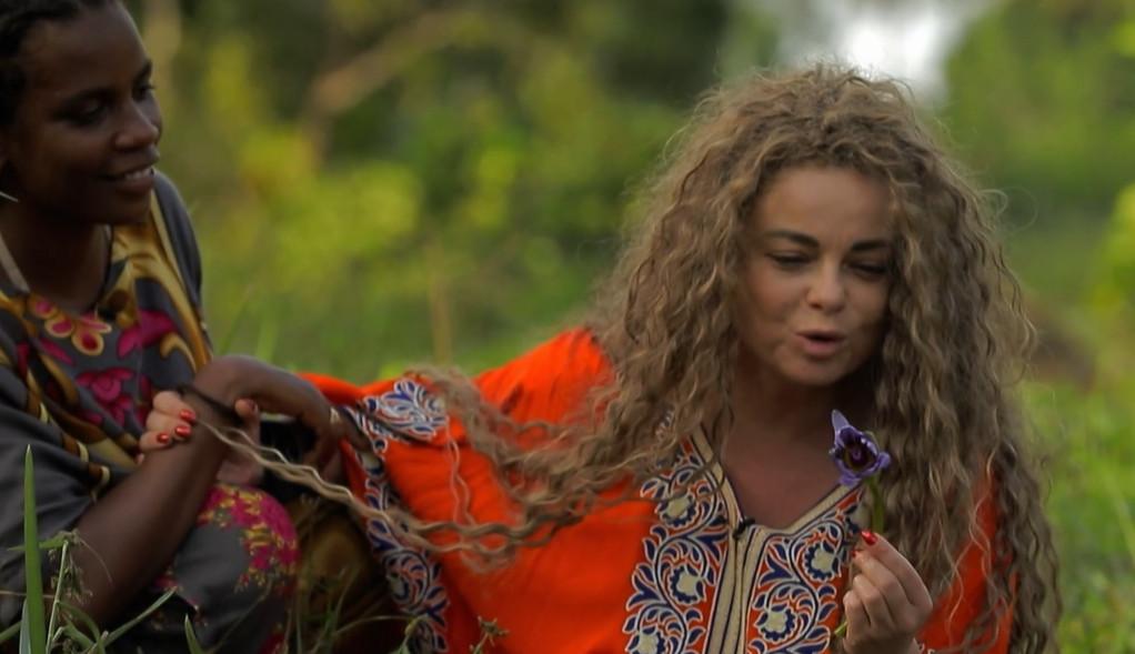 Наташа Королева проходит шаманский обряд
