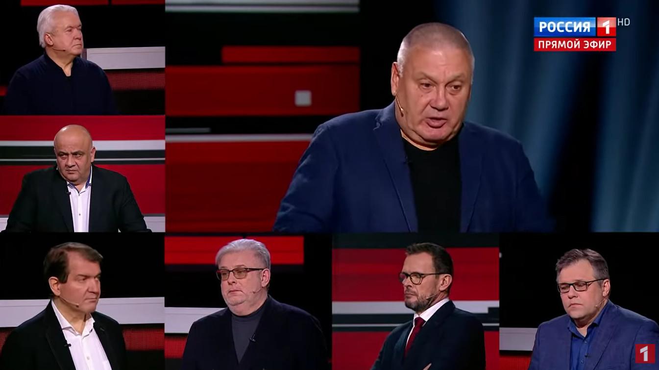Депутаты спорят о мотивах Зеленского по закрытию телеканалов